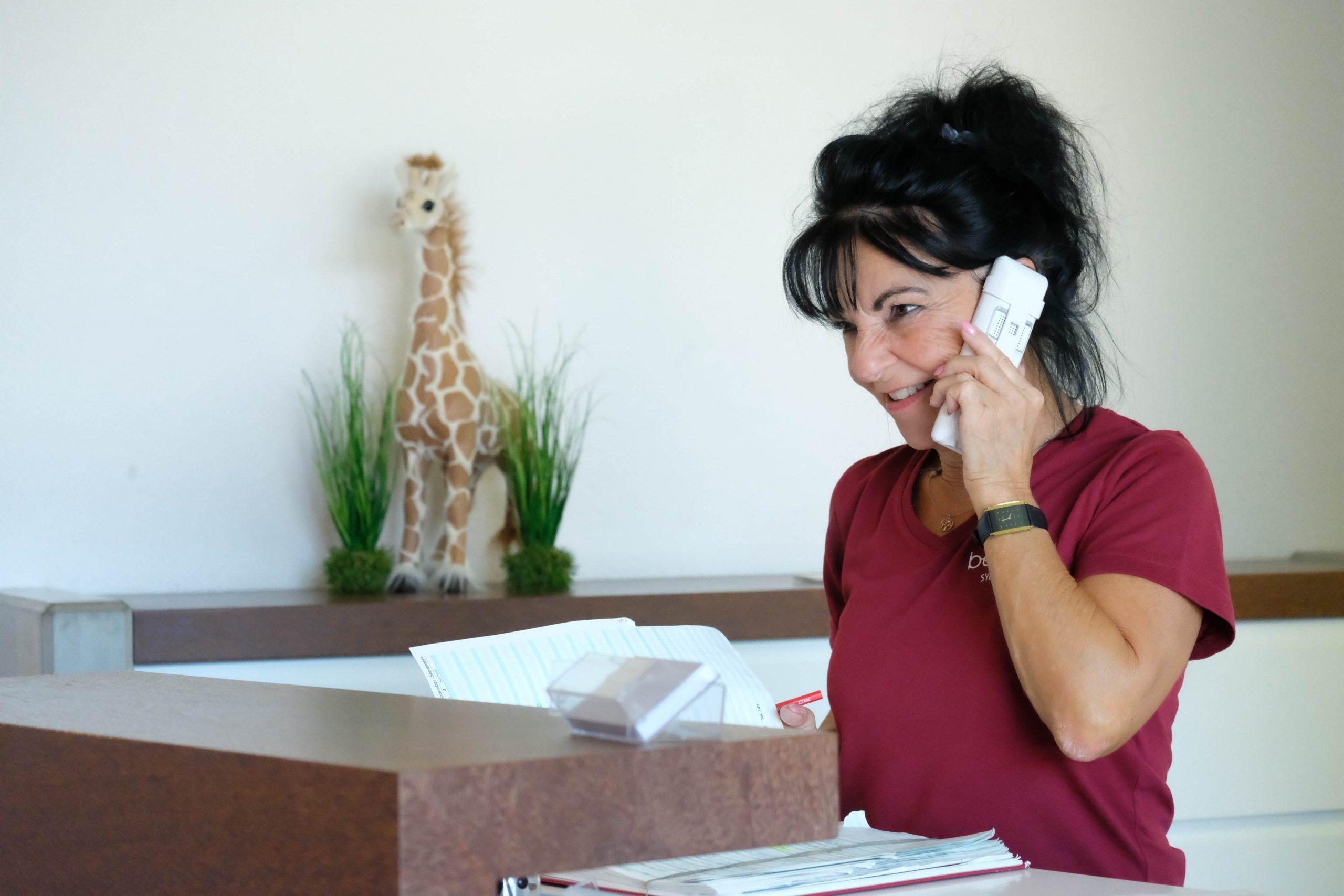 Büro Empfang Zahnarztpraxis