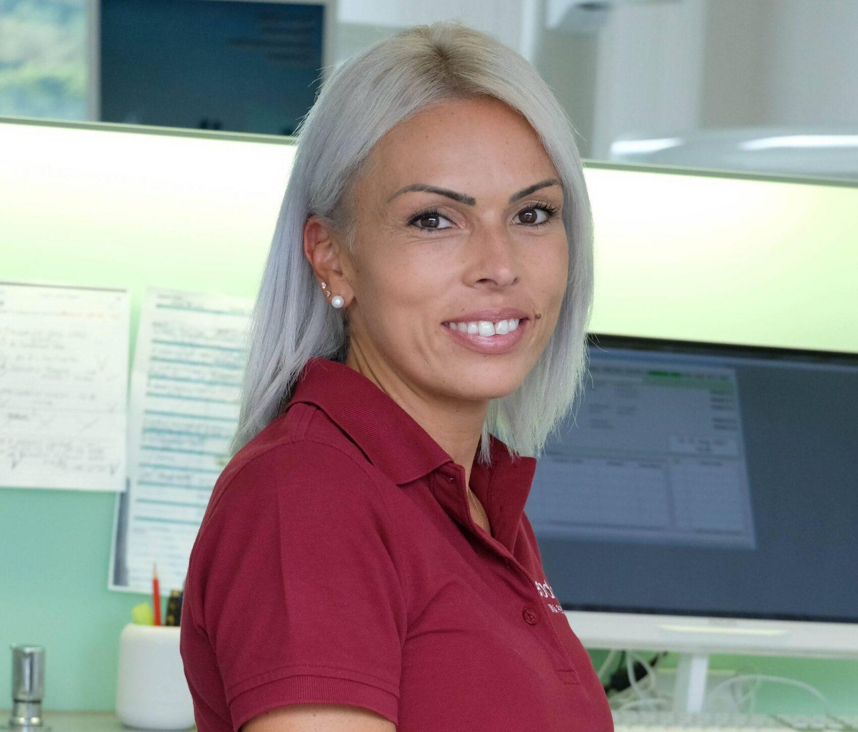 Iria-Perez (Zahnarzt Thun)